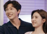 Ji Hyun Woo - Kim So Eun Saling Puji Kemampuan Akting di 'Love Is Annoying But I Hate Being Lonely'