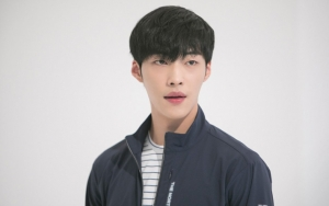 Pose Menggoda di High Cut, Woo Do Hwan Tersanjung Disebut Sepopuler Jung Hae In cs