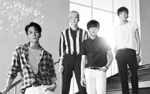Winner Tampil Sendu Berkostum Serba Hitam Di Vertical Live Performance 'Remember'
