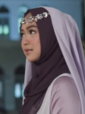Ria Ricis Cover Lagu 'A Whole New World' Ala Film 'Aladdin' Malah Ramai Dikritik