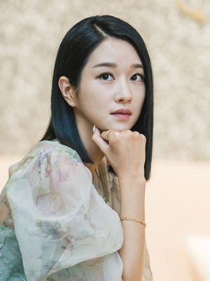 Ibu Seo Ye Ji di 'It's Okay To Not Be Okay' Terungkap, Senyumannya Buat Netizen Merinding