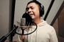Raditya Dika Cover Lagu 'I Love You 3000' Bikin Ngakak, Stephanie Poetri Sampai Kabur