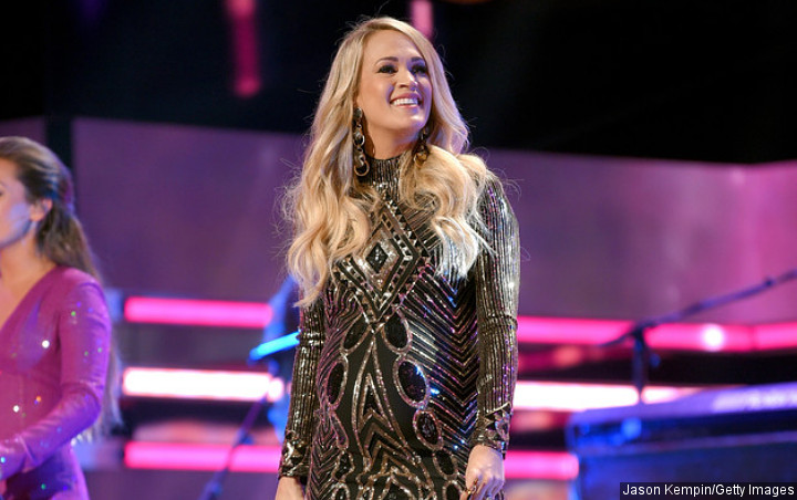 Carrie Underwood Kembali Sabet Female Vocalist of the Year di CMA Awards 2018
