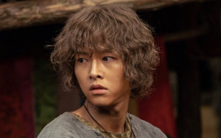 Visual Cantik Kembaran Song Joong Ki di 'Arthdal Chronicles' Bikin Geger