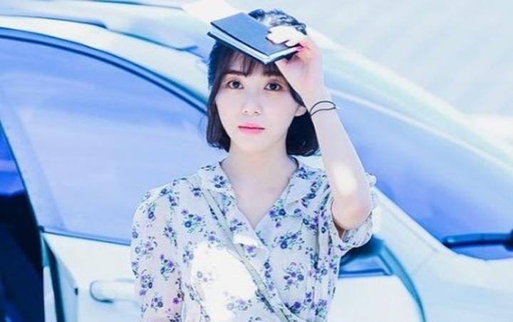 Agensi Woori Actors memberikan pernyataan terkini soal kondisi Kwon Mina eks AOA usai kedapatan berusaha melukai dirinya sendiri akibat perundungan yang dialami.
