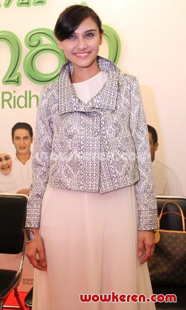 Foto Zee Zee Shahab Di Konferensi Pers Film 39 Ummi Aminah