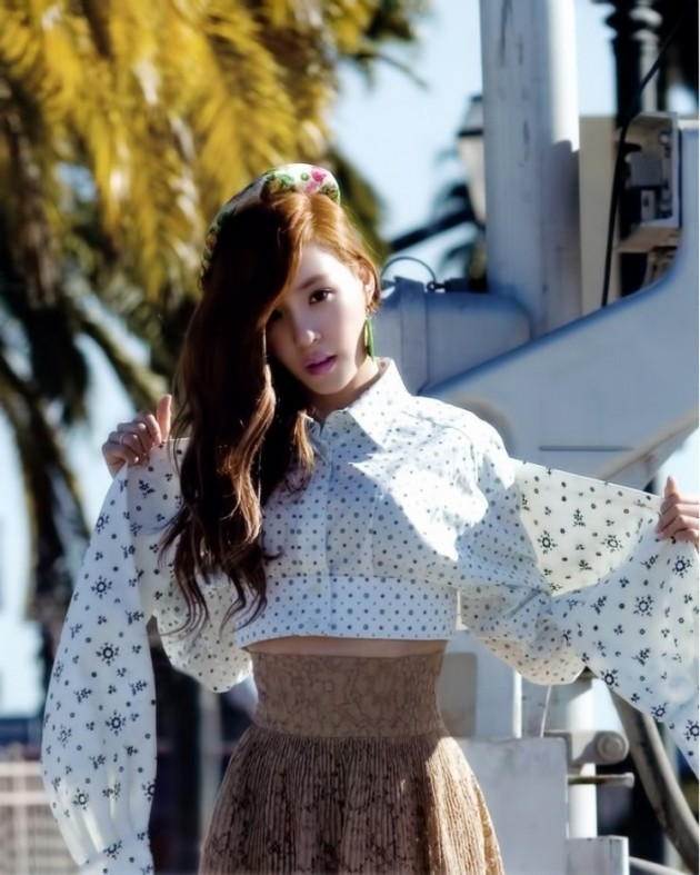 Foto Tiffany di Majalah Vogue Girl Edisi April 2012