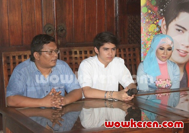 Foto Aliando dan Budhila Gelar Jumpa Pers Launching Single 'Ramadhan'