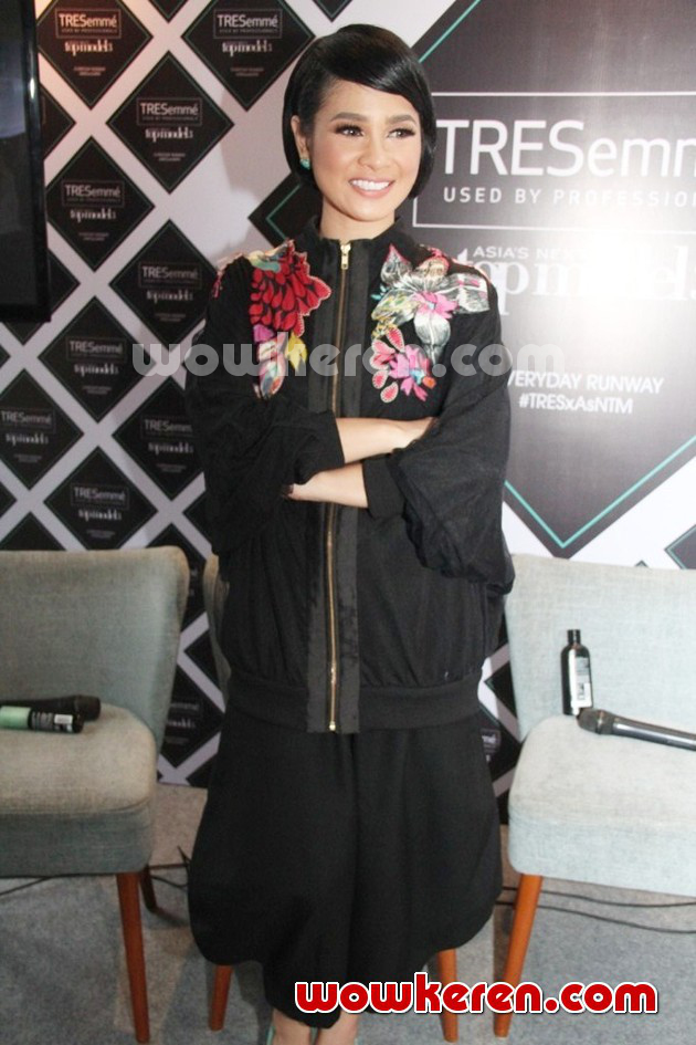 Foto Andien di Jumpa Pers 'Asia's Next Top Model Season 3'