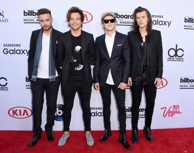 Foto One Direction di Red Carpet Billboard Music Awards 2015