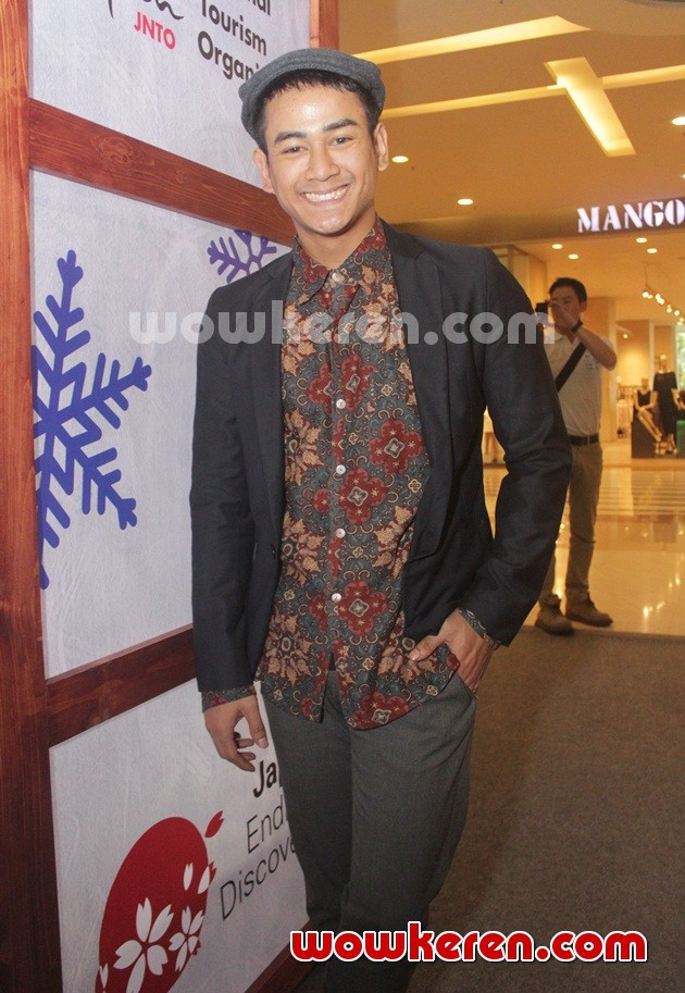 Foto Dwi Andhika di Jumpa Pers Launching Program Acara Traveling 'The Ichiban'