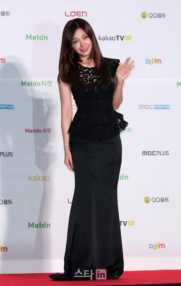 Foto Eun Ji hadir Tanpa Member A Pink di MelOn Music Awards 2016 - Foto 19 dari 32