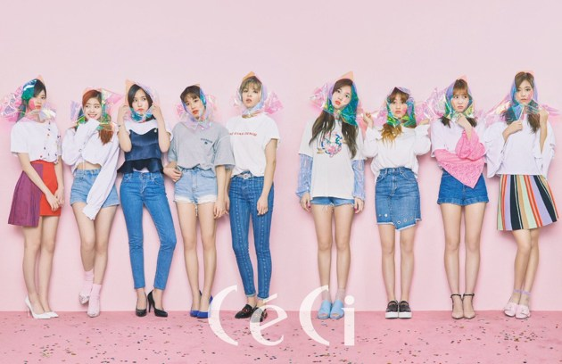Foto Twice di Majalah CeCi Edisi April 2017