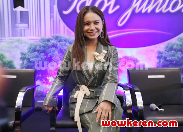 Foto Rossa di Konferensi Pers Indonesian Idol Junior 2018