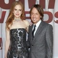 Nicole Kidman dan Keith Urban di Red Carpet CMA Awards 2011
