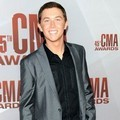 "Jawara ""American Idol"" season 10, Scotty McCreery, di Red Carpet CMA Awards 2011"
