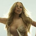 Pose-Pose Mariah Carey