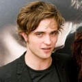 Robert Pattinson Saat Menghadiri Promo Film Twilight