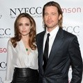 Angelina Jolie dan Brad Pitt Menghadiri 2012 New York Film Critics Circle Awards