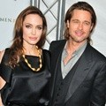 Angelina Jolie dan Brad Pitt Menghadiri Premier Film 'In the Land of Blood and Honey' di New York