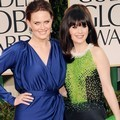 Emily dan Zooey Deschanel di Red Carpet Golden Globes 2012