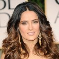 Salma Hayek di Red Carpet Golden Globes 2012