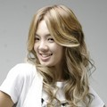 Hyoyeon dalam Berbagai Pose untuk Pemotretan