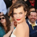 Milla Jovovich di Red Carpet Oscar 2012