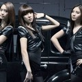 Tiffany, Yoona and Seohyun di Burberry Prorsum Women Collection Fashion Show