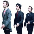 Green Day Bergaya Ala Robot