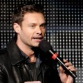 Ryan Seacrest di KIIS FM�s Jingle Ball 2011