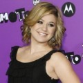 Kelly Clarkson dengan Juicy Couture