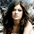 Kelly Clarkson di Album 'Stronger'