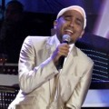 Glenn Fredly di Konser SCTV Masterpiece of Koes Plus