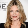 Michelle Pfeiffer di ELLE's 18th Annual Women in Hollywood Tribute