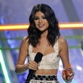 Selena Gomez di Kids' Choice Awards 2012