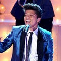 Penampilan Bruno Mars di Ajang MTV Video Music Awards 2011