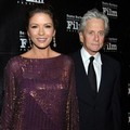 Catherine Zeta-Jones dan Michael Douglas di SBIFF Award 2011