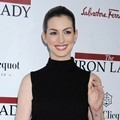 Anne Hathaway Menghadiri Premiere The Iron Lady