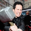Hal Sparks di Premier 'The Avengers'