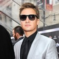 Jeremy Renner di Premier 'The Avengers'
