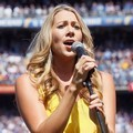 Colbie Caillat Perform di National Anthem