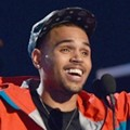 Chris Brown Meraih Penghargaan 'Top R&B Artist'