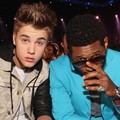 Justin Bieber dan Usher di Billboard Music Awards 2012