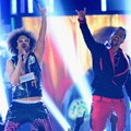 Penampilan LMFAO di Billboard Music Awards 2012