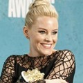Elizabeth Banks Raih Penghargaan Best On-Screen Transformation