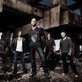 Chris Daughtry dan Band di Cover 'Break The Spell'