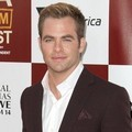 Chris Pine di Premier 'People Like Us'