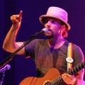 Aksi Jason Mraz di Konser 'Tour is a Four Letter Word'