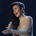 Agnes Monica di Panggung 'Result & Reunion Show' Indonesian Idol 2012